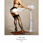 Gil Elvgren - PYG GE 038 Weighty Problem Starting at the Bottom 1962