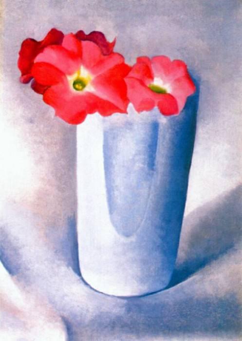 Розовые петунии в белом стакане, 1924. Джорджия ОКиф