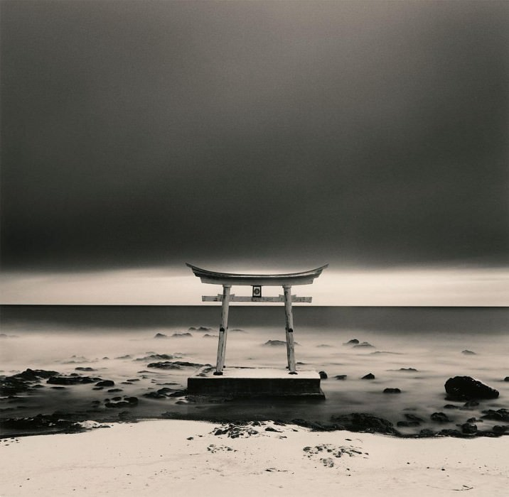 Michael Kenna Torii Gate Shosanbetsu Hokkaido Japan 2004 40647 184. часть 4 -- European art Европейская живопись