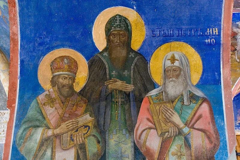Фреска в Преображенском храме монастыря Святого Евфимия, Суздаль. Иконы