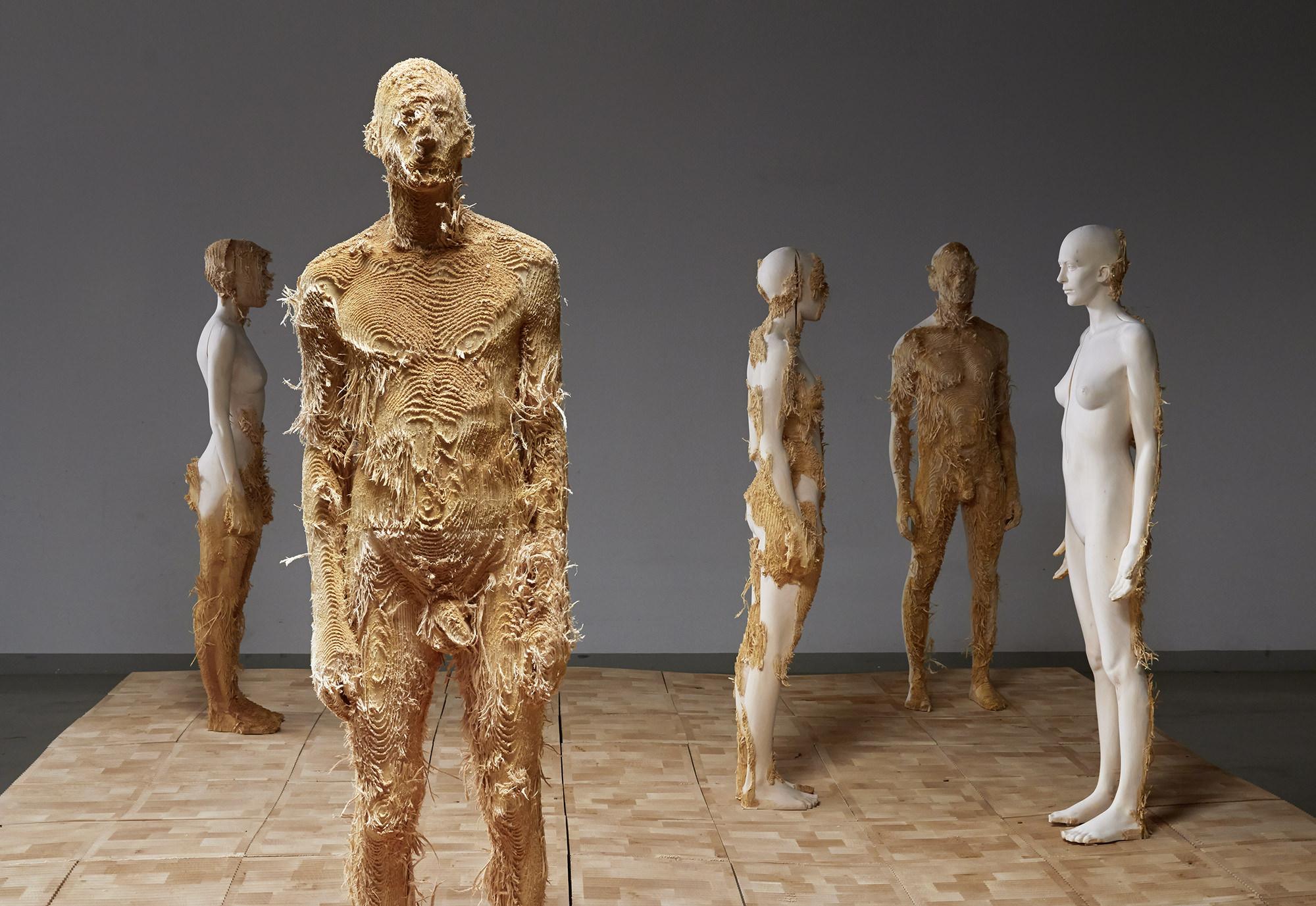 ветви современная скульптура россии фото красавица одета клетчатую