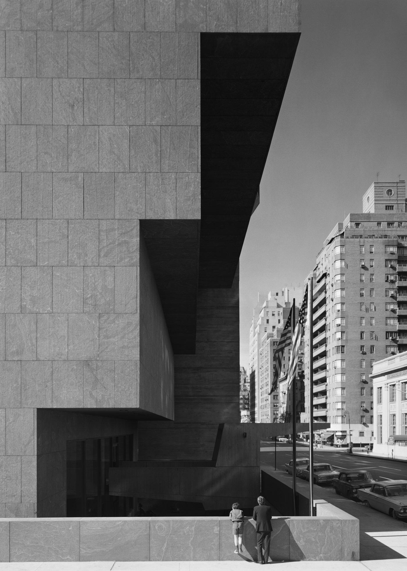 Эзра Столлер. Музей американского искусства Уитни (Метрополитен-музей Брёйер). Арх.: Марсель Брёйер. Нью-Йорк, шт. Нью-Йорк, 1966