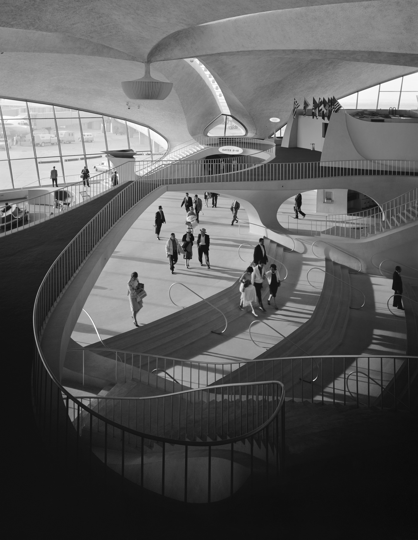Эзра Столлер. Терминал TWA в аэропорту Джона Ф. Кеннеди. Арх.: Ээро Сааринен. Нью-Йорк, шт. Нью-Йорк, 1962