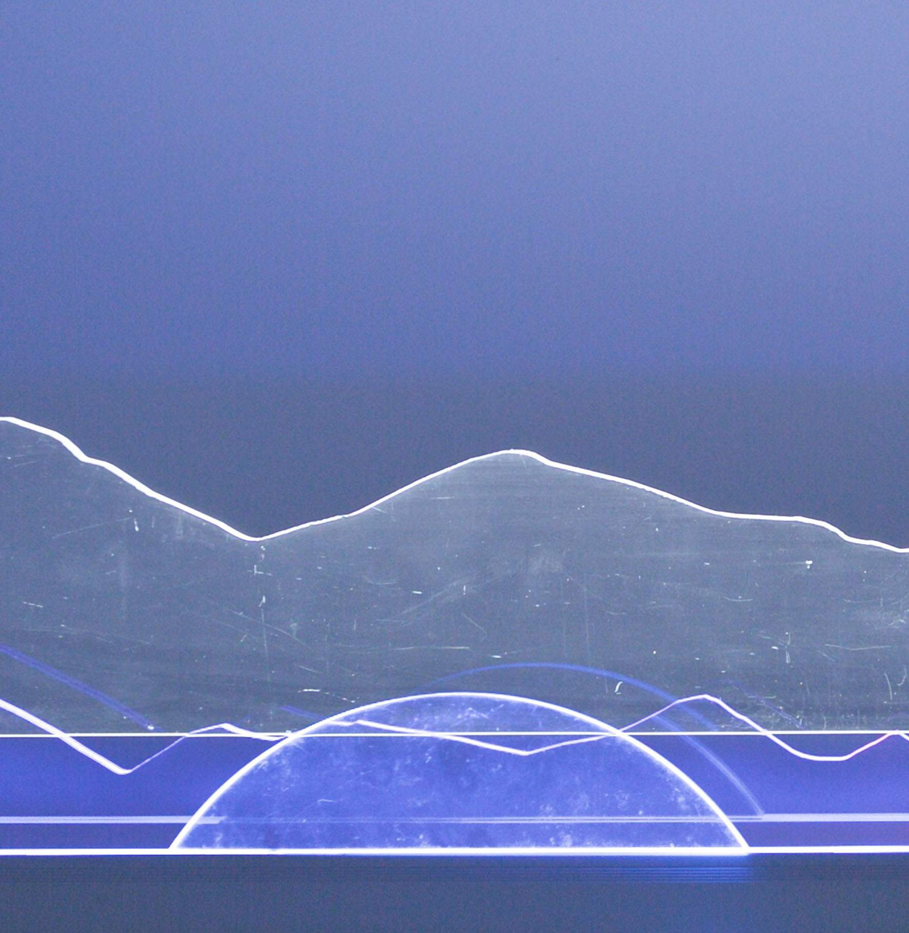 Владимир Пельдяков. Световая композиция, 2017. Дерево, акрил, светодиоды,150х100х40 Courtesy of the East Meets West Gallery