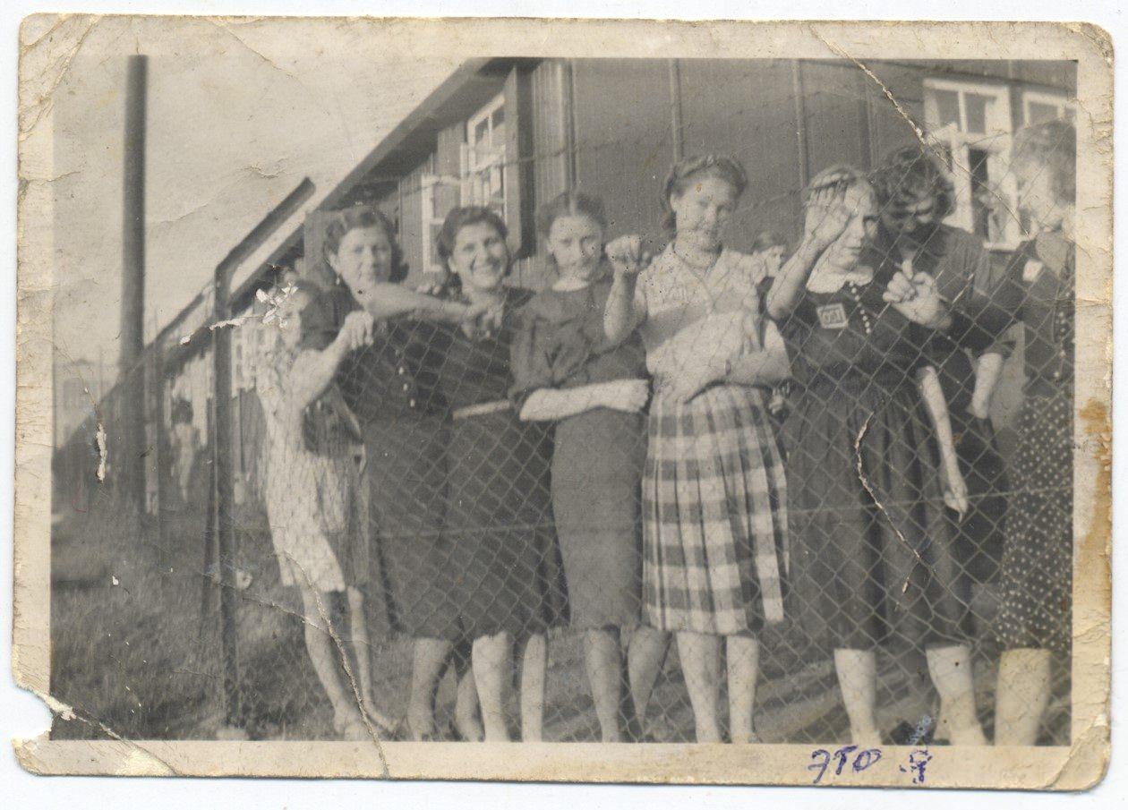 Выставка «Postscriptum» о судьбах советских людей в военной Германии
