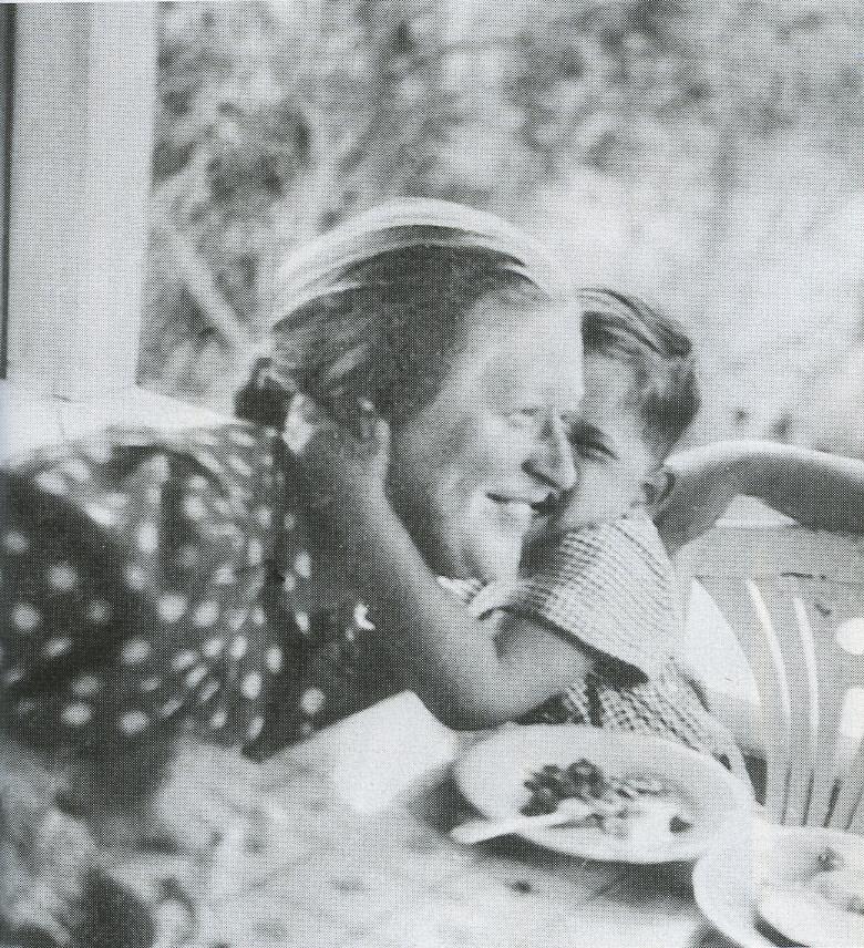 Праведница мира Гертруда Бабилинска и спасенный ею еврейский мальчик в Вильне, 1942