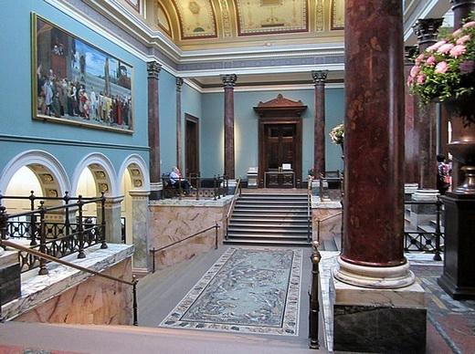 The strike threatens Leonardo da Vinci's exhibition at the London National Gallery